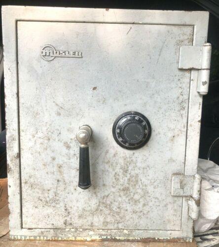 Mosler Safe Co. Antique Orig Paint CAST IRON SAFE w/Combo & Inside Key