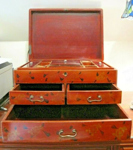 VINTAGE CHINESE WOOD LACQUERED BOX COMPARTMENTED JEWELRY/TRINKET BOX BIRD TREE