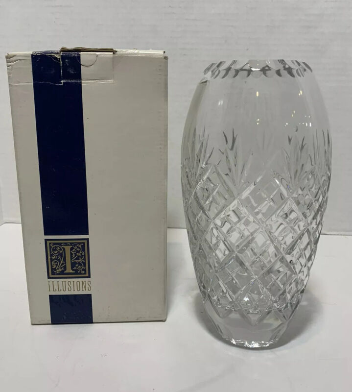 "Illusions 24% Lead Handblown Handcut 9"" Crystal Vase New !!"