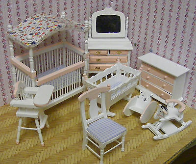 1:12th Scale 8 Piece Pink & White Nursery Set Dolls House Miniature Bedroom 899p