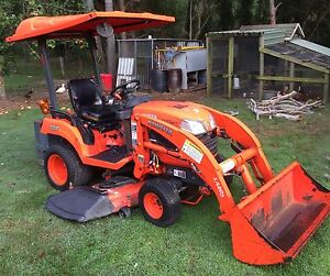 Kubota Tractor with Loader, Counter Weight & Mower Thornlands Redland Area Preview