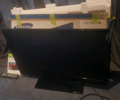 31.5 FULL HD LED TV