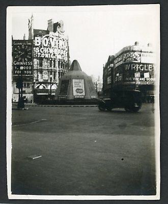 London Piccadilly Circus Street 1940s Vintage Photo Snapshot WW2 England ()