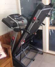 Bodyworx i2070 2 hp electric treadmill Cumbalum Ballina Area Preview