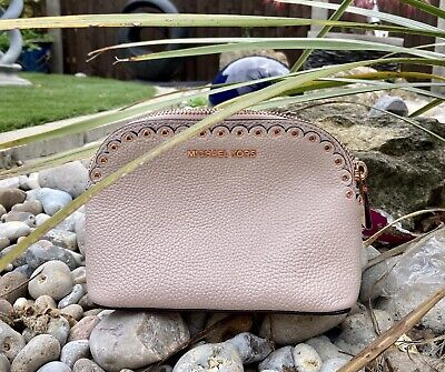 NEW MICHAEL KORS SCALLOPED MAKEUP BAG NUDE / PALE PINK