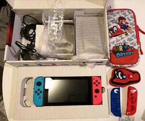 Nintendo Switch Neon Extras