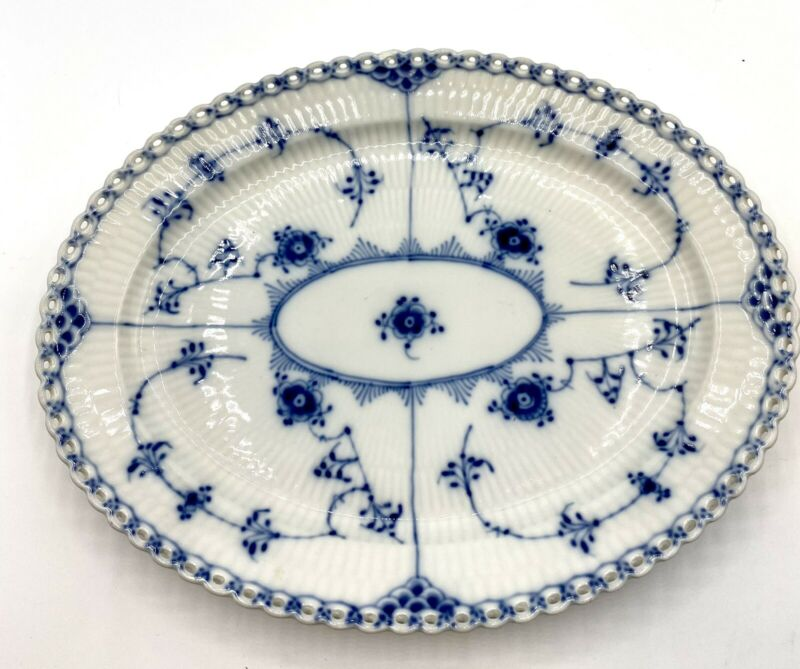 """Stunning 12""""   OVAL  PLATE   ROYAL COPENHAGEN  BLUE  FLUTED  FULL  LACE"""