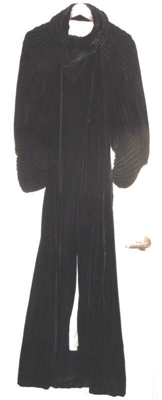 BLACK VINTAGE VELVET OPERA COAT