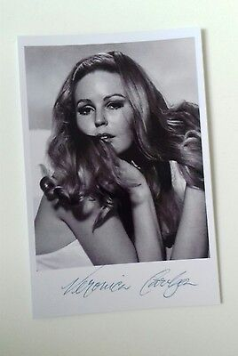 """HAMMER HORROR - Actress Veronica Carlson Reproduced Autograph 6""""X4"""" Glossy Pic"""