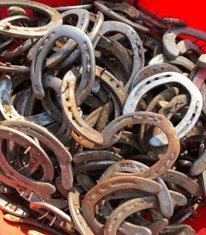 50 Rusty Used STEEL Horseshoes-Western Decor Cowboy Welding