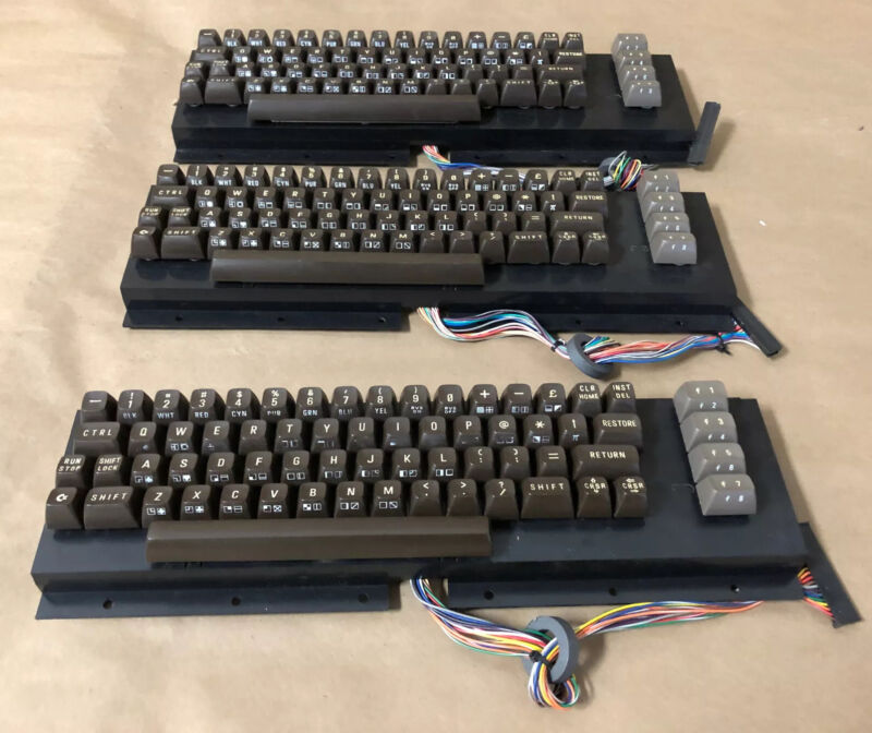 Commodore 64C Keyboard Components