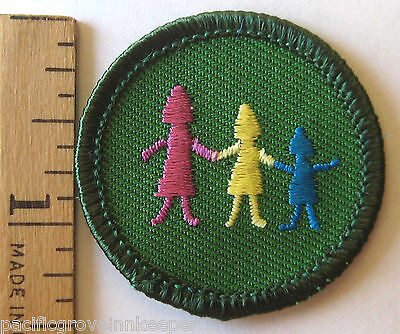 Retired Girl Scout Junior ACROSS GENERATIONS BADGE Family Traditions Patch (New Junior Girl)
