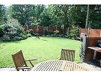 SPACIOUS, THREE DOUBLE BEDROOM FLAT (WITH FANTASTIC PRIVATE GARDEN) - UNBEATABLE LOCATION