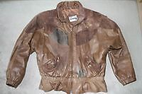 LADIES LEATHER JACKET/COAT - SIZE MEDIUM