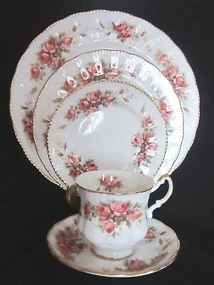 Elizabeth 5 Piece Place (Paragon Elizabeth Rose Bone China 5 Piece Place Setting - England -)