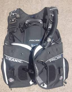 Oceanic BCD - Near New Condition with regs