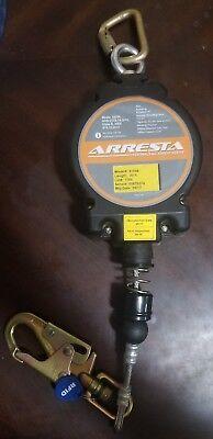 Retractable Lifeline Arresta 30 Retractable With Galvanized Cable Carabiner