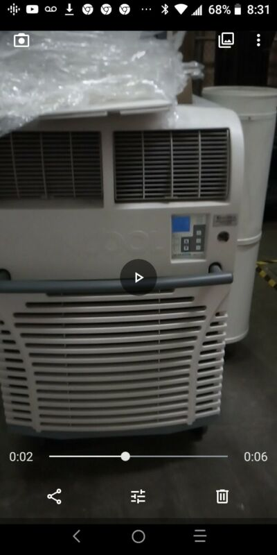 MovinCool Office Pro 36 - Portable Air Conditioning unit in excellent condition.