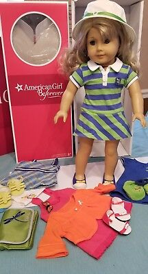 Lanie American Girl Doll 2010 GOTY with 4 outfits, Laptop, and case segunda mano  Embacar hacia Argentina