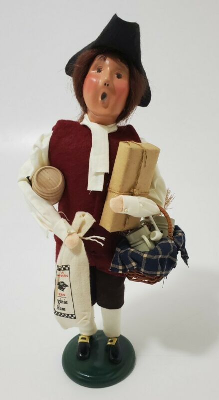 Byers Choice Carolers Williamsburg 2003 Man w/ Virginia Ham-Packages-Basket