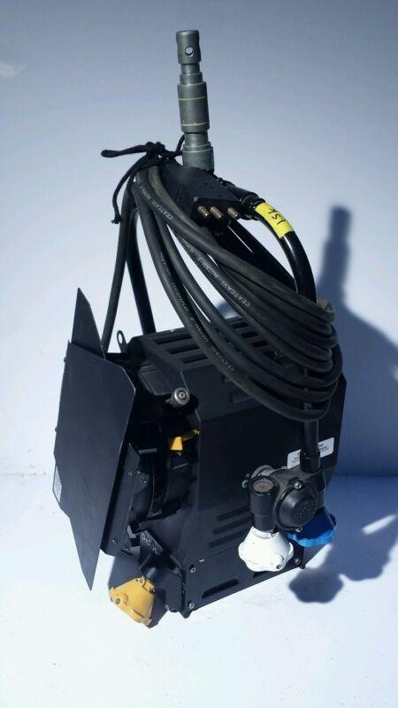 DeSisti Leonardo 2K Pole-Op, Model 371 Fresnel Light Perfect for studio, Italian