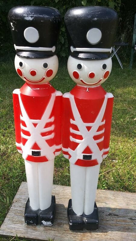 """Pair 1987 Union Products 30"""" Toy Solider Blow Mold Yard Lights, No Lights"""