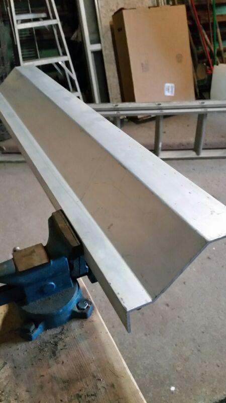 Aluminum angle stock