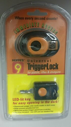 hoppes 9 universal trigger lock for pistols rifles and shotguns with led key