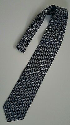 Hugo Boss Men's 100% Silk Classic Navy Blue Geometric Design Tie 58""
