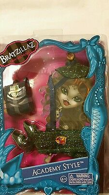 Bratz Bratzillaz Fashion Academy Style Accessory Pack Hat Sash Bag Shoes