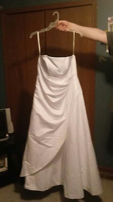 NWT Satin asymmetrical skirt wedding dress with veil in white size 18w (Asymmetrical Wedding Wedding Dress)