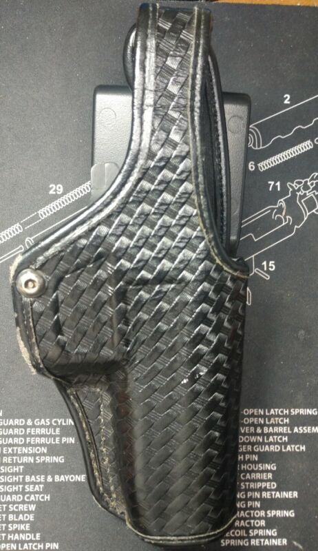 Bianchi Accumold Elite Duty Holster Right Hand draw Basketweave Size 15