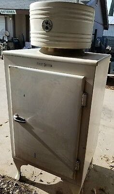 1930s General Electric Refrigerator