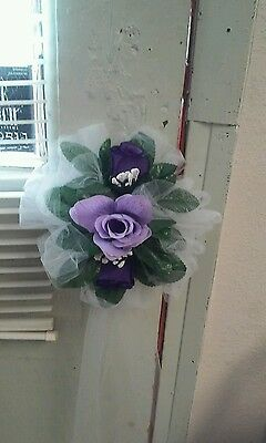 WHITE WEDDING BOWS SET OF 6 WITH LAV & PURPLE FLOWERS (TULLE) FOR PEWS