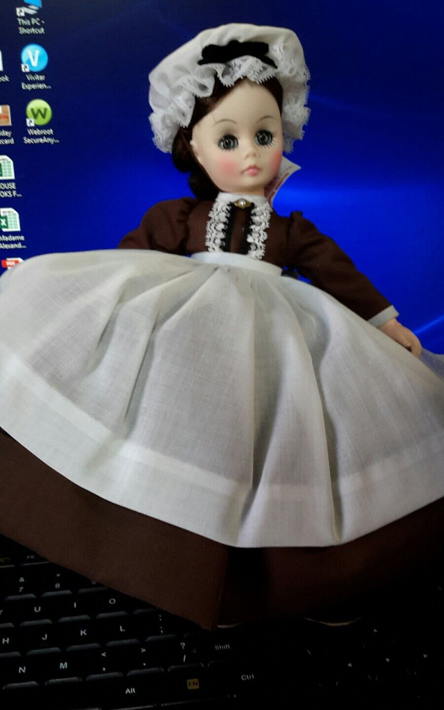VINTAGE MADAME ALEXANDER,1324 MARME 12 DOLL,IN BROWN, LITTLE WOMEN BOX W/ TAG - $19.99