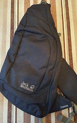 Jack  Wolfskin  Stanmore 7l Shoulder  Bag