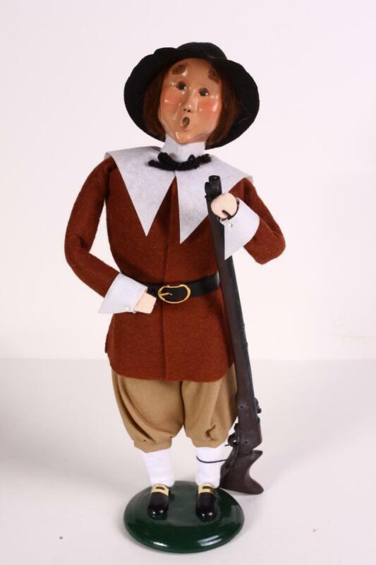 Byers Choice Carolers Thanksgiving Pilgrim Man with Musket Hunting Gun Fall VGC