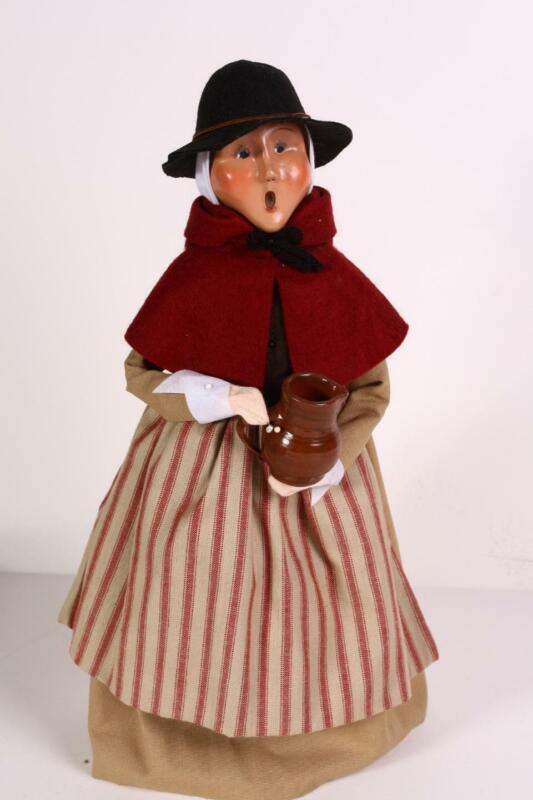 Byers Choice Carolers Thanksgiving Pilgrim Woman with Crockery Pitcher Fall VGC