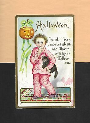 Scared GIRL IN PAJAMAS, JOL, BLACK CAT Spooky Vintage HALLOWEEN Postcard