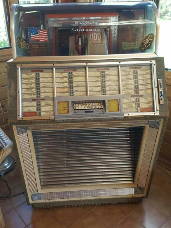 ANTIQUE 1950,S SEEBURG SELECT O MATIC JUKEBOX PLAYS 45RPM,S WORKS GREAT