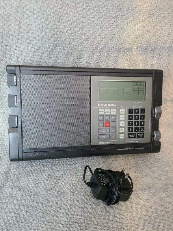 Grundig Satellit 700 Portable Digital RDS Battery Radio World Receiver Tested