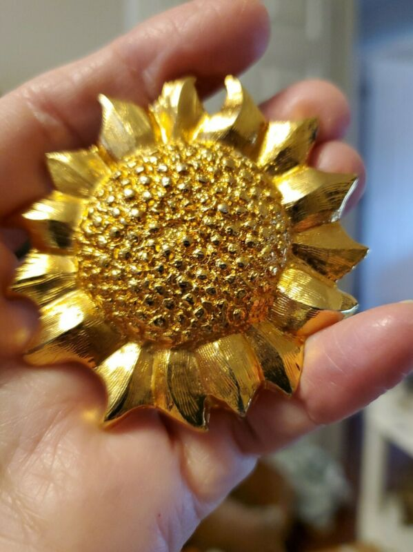 """VINTAGE 2 1/4"""" SUNFLOWER SIGNED DOTTY SMITH GOLD-TONE (thick)  BELT BUCKLE"""