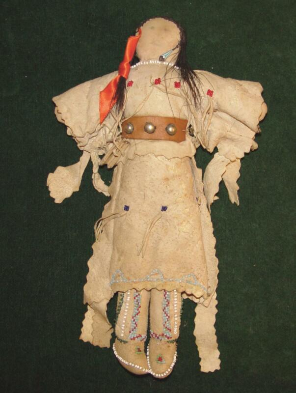 """Native American Indian 19th Century Leather Beaded Plains Indian 10 1/2"""" Doll"""