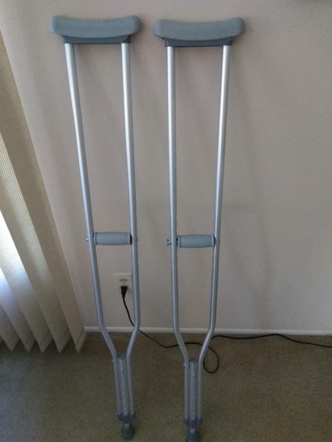 Drive TM Medical Walking Crutches with Underarm Pad and Hand