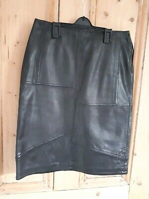 Max Mara Max and Co Black Leather Straight Skirt approx UK 8   F36 I 38