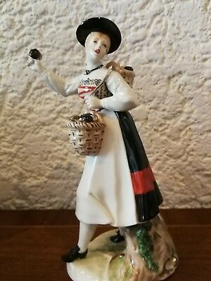 Nymphenburg Porzellanfigur Täublingsgretl Bustelli , Pilzeverkäuferin