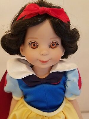 "BETSY McCALL: Disney's ""Snow White"" Vinyl 14"" doll by Robert Tonner Original Box"