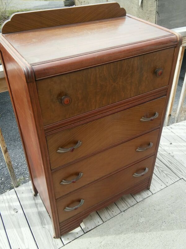 024 Vintage 4 Drawer Dresser Waterfall Style 1940s?