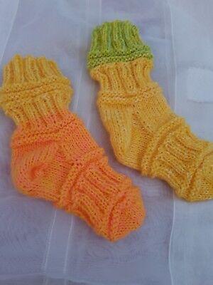 1 Paar tolle selbst gestrickte Mojo Socken gr 4 bis 7 Monate neu handmade