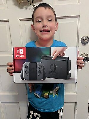 Nintendo Switch Console with Gray Joy-Con - In Hand Fast Ship New